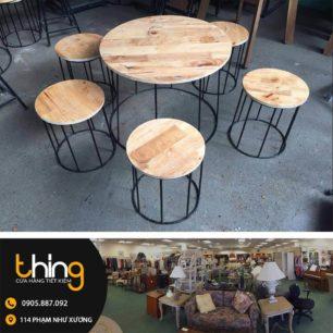 bàn ghế cafe chân sắt mặt gỗ tròn