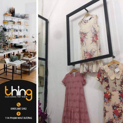khung sắt trang trí shop quần áo